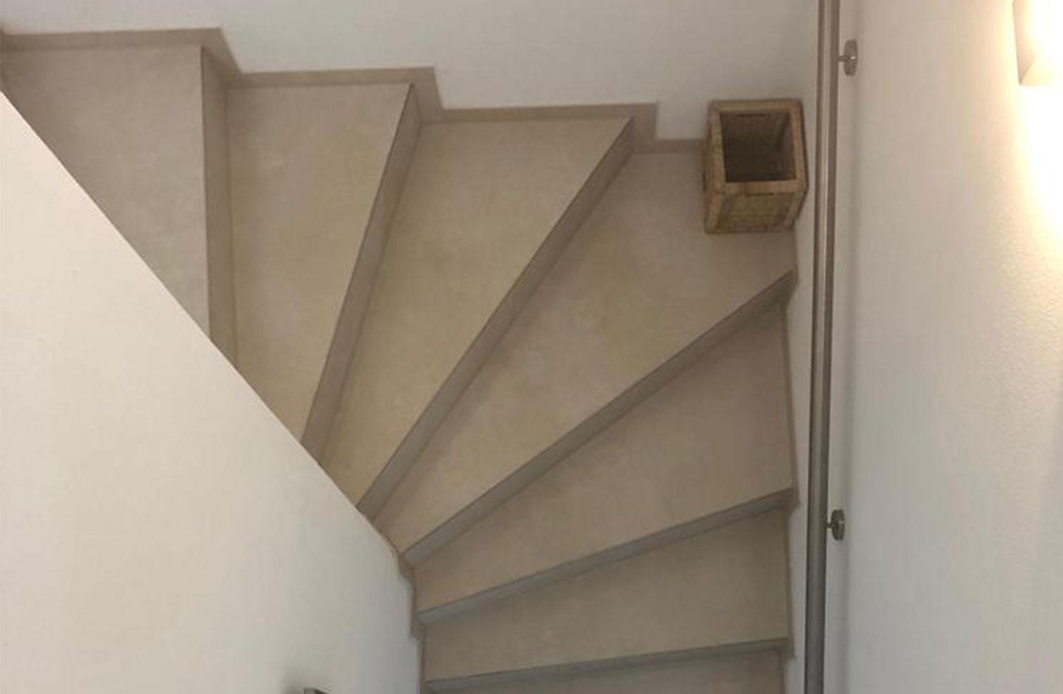 treppe fliesen gewendelt